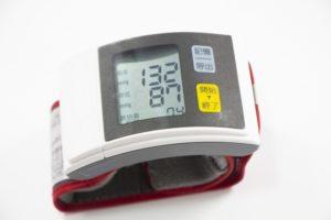 脈拍を測る